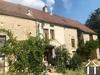 Characteristisches Haus mit Nebengebäuden in Dorflage Ref # RT5197P