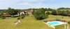 Schönes Anwesen mit Hauptunterkunft, 3 Gites, Blick auf die Pyrenäen Ref # MP2107
