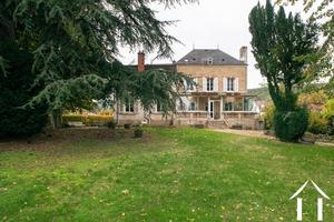 Herrenhaus, zu renovieren, grosses Grundstück, Pool, Keller