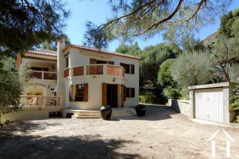 Villa Esconado in Strand- und Hafennähe Ref # 11-2330