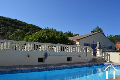Single floored house with guesthouse and pool Ref # 2343 Main picture