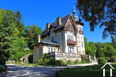 Elegantes Herrenhaus mit Gästehaus  Ref # RT5027P
