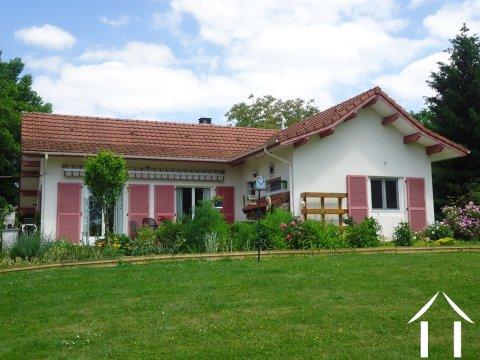 Schöne Villa mit erfolgreichem B&B und Minicamping Ref # AH4937V