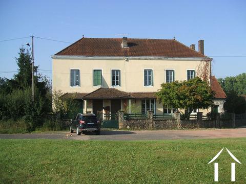 Maison de Maitre mit 7 Zimmern & Gîte Ref # CR5002BS