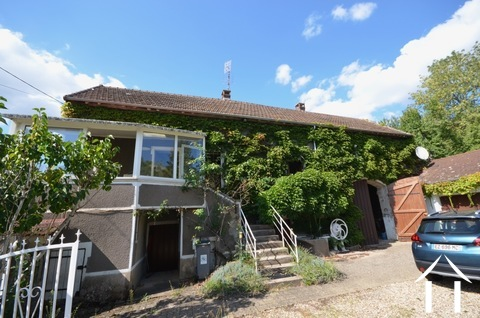Haus mit Scheunen auf Bergdorf Ref # BH5033V