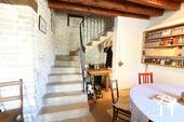 Charakterhaus im Herzen des Weindorfes Ref # CR4880BS bild 7 Stairs