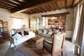 Charakterhaus im Herzen des Weindorfes Ref # CR4880BS bild 1 Livingroom