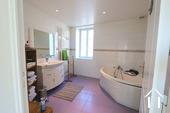 Charakterhaus im Herzen des Weindorfes Ref # CR4880BS bild 10 Bathroom 1