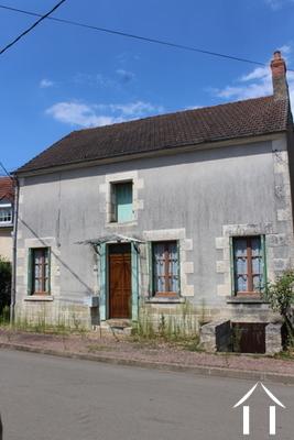 Dorfhaus & Scheune zu verkaufen Ref # LB4888N