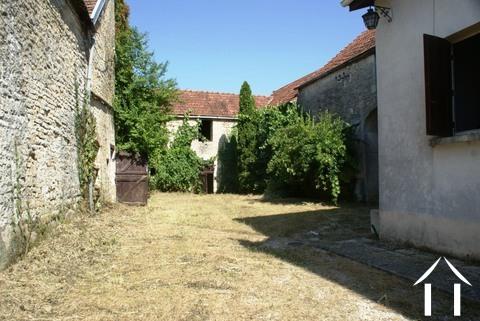 Dorfhaus mit Scheunen & Land  Ref # RT5063P