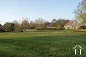 Charmantes Steinhaus mit schönen Gärten Ref # RT5088P bild 15 View at front of property to Chateau