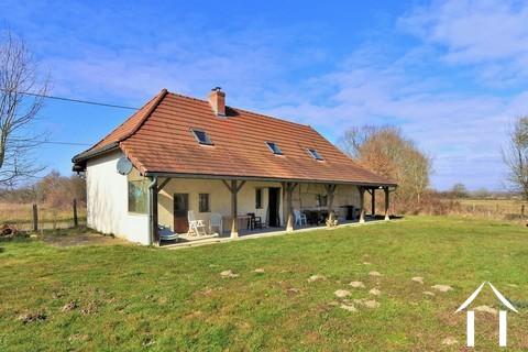 Renoviertes Brixner Bauernhaus mit Garage und Garten Ref # JP4938B