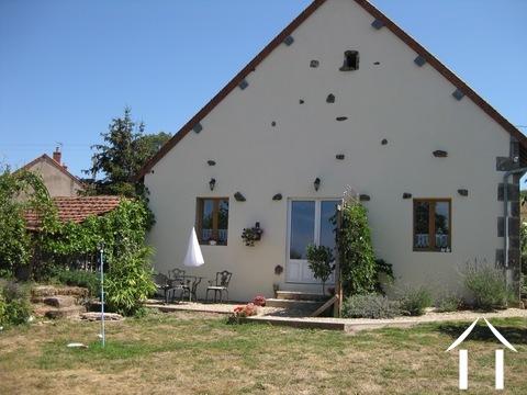Dreizimmerhaus mit mietfertigem Ferienhaus Ref # BH4950V