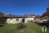 Burgunderhaus mit Blick auf die Weinberge Ref # CR5024BS bild 6 View from the garden