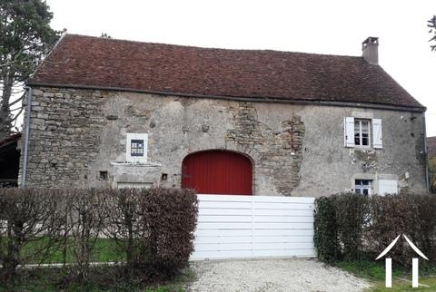 Charmantes Bauernhaus mit Scheunen. Ref # RT4957P