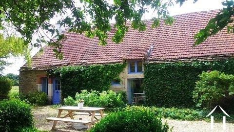 Landhaus mit Scheune & Gärten Ref # RT5052P
