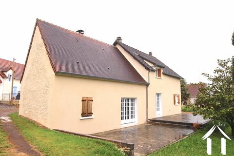 Renoviertes Anwesen in der Nähe von La Charité sur Loire Ref # LB5022N