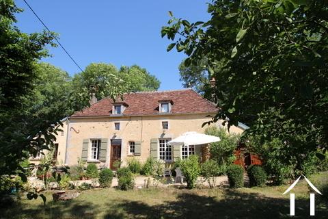 Schönes Ferienhaus in der Gegend von Puisaye Ref # LB5031N