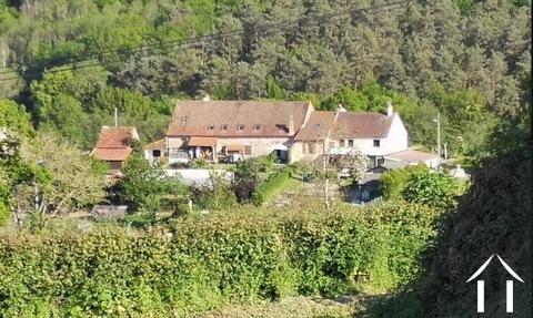Haupthaus mit drei Wohnungen zur Miete Ref # BH5049V