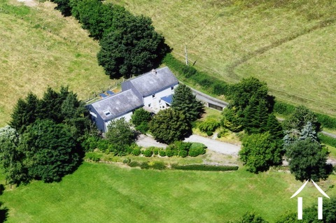 Sehr ruhiges Haus mit einem Garten  Ref # MW5048L