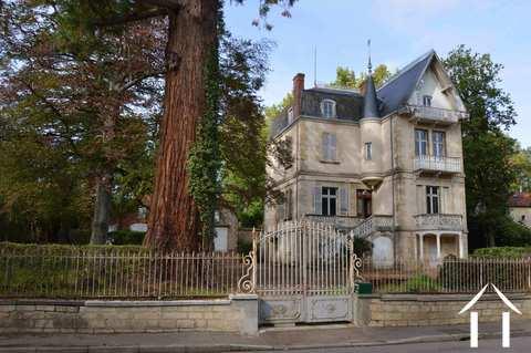 Schöne Villa mit Möglichkeiten für Bed & Breakfast Ref # RP5065M