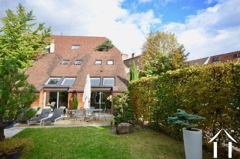 Prachtvolles Haus in berühmter Weinstadt Ref # BH4986V