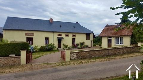 Charakteristisches Bauernhaus mit toller Aussicht Ref # MW5080L