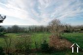 Charakteristisches Bauernhaus mit Blick auf den Morvan Ref # CR5086BS bild 9 View on the Morvan