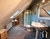 Charakteristisches Bauernhaus mit Blick auf den Morvan Ref # CR5086BS bild 11 Upstairs shower room