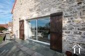 Charakteristisches Bauernhaus mit Blick auf den Morvan Ref # CR5086BS bild 12 Terrace and living