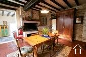 Charakteristisches Bauernhaus mit Blick auf den Morvan Ref # CR5086BS bild 1 Kitchen with open fire
