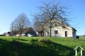 Farmhouse on 30 acres with sources and outbuilding Ref # Li606 bild 1